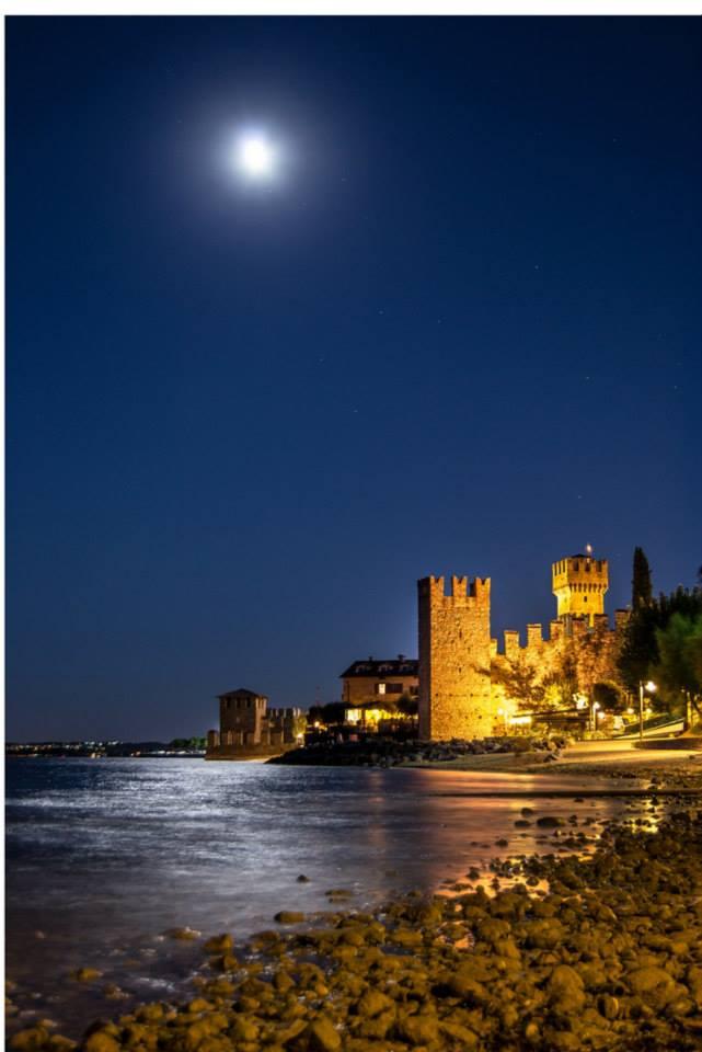 Sirmione sotto la luna di Salmen Bejaoui (Polpenazze)